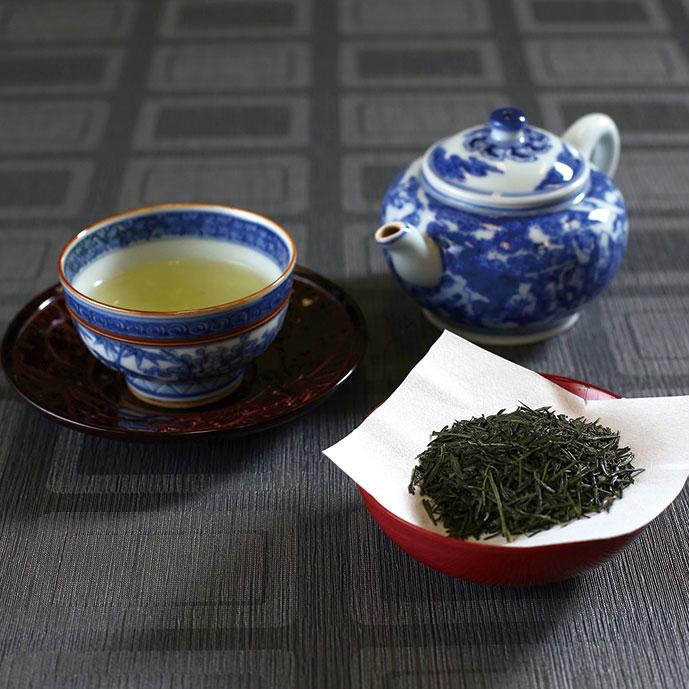 商業ベースでは北限の産地で、他の産地よりも日照時間が短く、そのために渋味の素であるタンニンが少ないため、まろやかで、甘味が強く感じられるお茶が栽培されます。